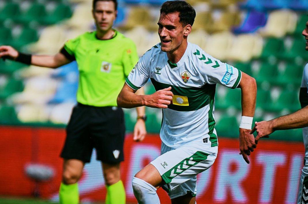 Dani Calvo celebra su gol con el Elche frente al Eibar