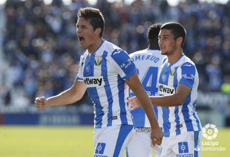 Guido Carrillo celebra un gol con el Leganés