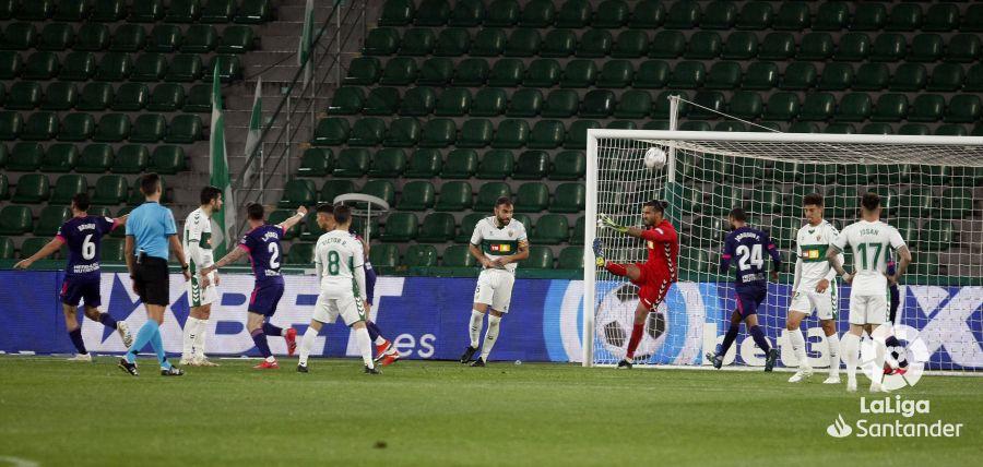 El Elche lamenta el gol encajado frente al Real Valladolid